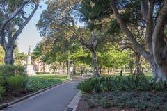 有Cook Monument上尉的海德公园 免版税库存图片