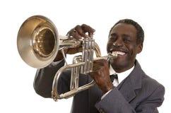 有Flugelhorn的美国黑人的爵士乐音乐家 免版税库存照片