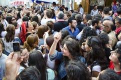 有Hidrellez新春佳节数百的人跳舞 图库摄影