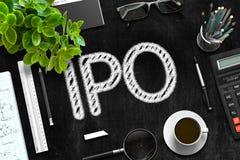 有IPO概念的黑黑板 3d翻译 免版税库存图片