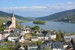 有Lorch的河莱茵河 免版税库存图片
