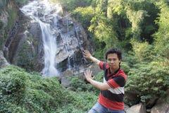 有Mae Tia瀑布的, Obluang国家公园泰国人 库存照片