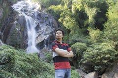 有Mae Tia瀑布的, Obluang国家公园泰国人 免版税库存图片