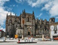 有Manueline影响的瓜达区,葡萄牙` s中世纪哥特式大教堂 工作在继续直到中间第16的1390年开始了 免版税库存照片