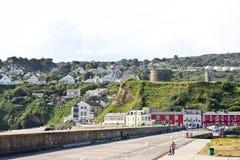 有Martello塔的,爱尔兰Howth港口 免版税库存图片