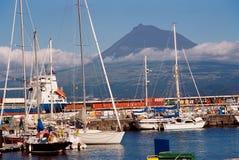 有Pico海岛的Faial小游艇船坞 免版税库存图片