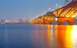 有Seongsan桥梁的汉江在night_3 库存图片