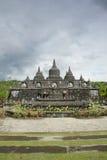 有stupas的佛教寺庙在巴厘岛,印度尼西亚 免版税库存图片