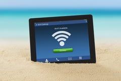 有WiFi可及性的数字式片剂 免版税库存图片