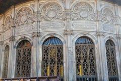 朋友建筑学在老开罗,埃及 免版税库存照片