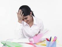 服务台她的办公室妇女工作 免版税库存照片