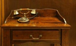 服务台老电话 免版税库存图片