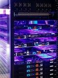 服务器和里面磁盘数组与蓝色背后照明 免版税库存照片