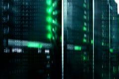 服务器在datacenter,多曝光的室内部 库存图片
