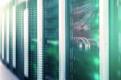 服务器在datacenter,多曝光的室内部 图库摄影