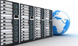 服务器行和地球 免版税库存图片