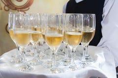 服务香槟 免版税库存图片