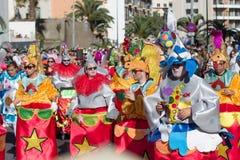 服装的人庆祝狂欢节的 图库摄影
