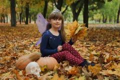 服装神仙的女孩一点 免版税库存照片