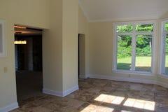 晴朗的室在新建工程 库存照片