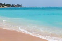晴朗的海滩印度洋 库存图片