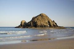 晴朗的海滩场面 库存照片