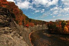 晴朗的秋天下午在克利夫兰,俄亥俄,克利夫兰Metroparks 免版税图库摄影