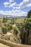 朗达,在普恩特Viejo,老桥梁的看法 西班牙 免版税库存照片