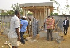 洛朗・巴博总统的母亲的葬礼的准备 库存图片