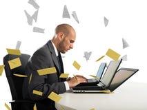 绝望和重音垃圾短信电子邮件的 免版税库存照片