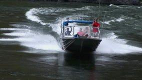 朝向河斯内克河地狱峡谷的喷气机小船 股票录像