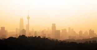 朦胧的城市早晨 图库摄影