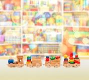 木五颜六色的精密玩具的培训 图库摄影
