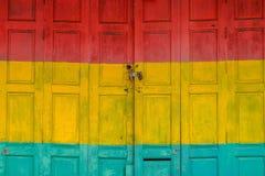木五颜六色的门 免版税库存图片
