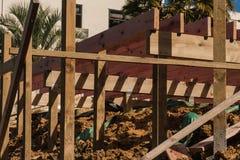 木交叠的建筑 免版税库存图片