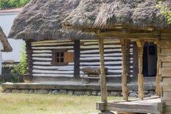 木传统罗马尼亚房子 免版税图库摄影
