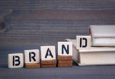 从木信件的品牌 抽象企业和成功背景 免版税库存照片