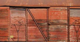 木包括的货物的无盖货车 免版税库存照片