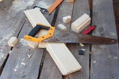 木匠与工具的` s桌 库存图片
