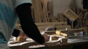 木匠与飞机一起使用 把柄桌腿 股票视频