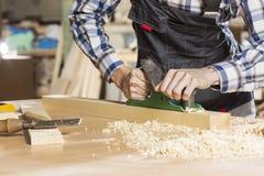 木匠实施日志概略的来回跟踪工作 库存图片