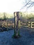 轴木匠木雕塑的结构树 免版税库存照片