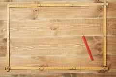 木匠的统治者和铅笔 免版税库存图片