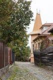 木匠街道在老城Sighisoara在罗马尼亚 免版税库存照片