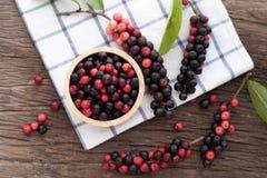 木厨房用桌用泰国蓝莓,传统泰国果子 库存图片