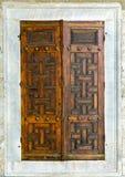 木古老的门 免版税库存照片