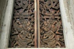 木古老艺术门装饰品的模式 库存图片