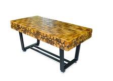 木和金属咖啡桌 免版税库存图片