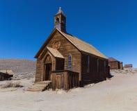 木土气教堂在Bodie鬼城 库存图片