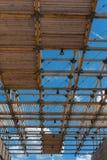 木天花板结构:与现代建筑Des的大厦 库存图片